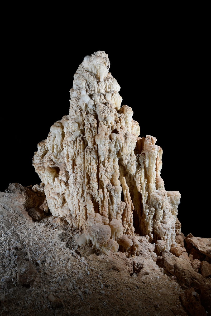 Cottonwood Cave Second Parallel (USA - Nouveau Mexique)  - Stalagmite d'epsomite (sulfate de magnésium)