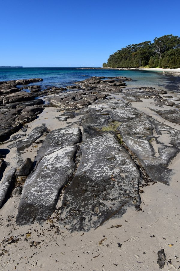 Jervis Bay (New South Wales, Australie) - Plage avec rochers(VO-17-0399)