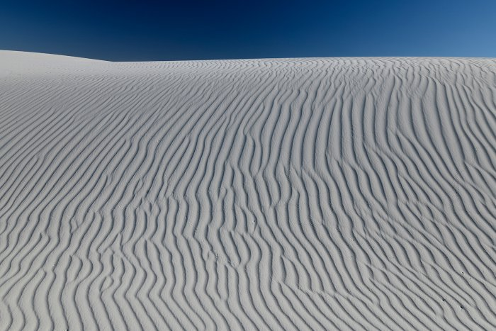 White Sands National Park (Nouveau Mexique, USA) - Dune de sable blanc de gypse avec rides(VO-18-0224)